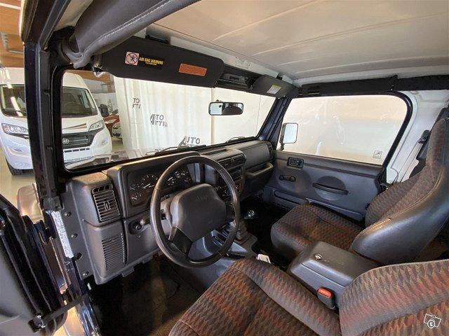 Jeep Wrangler 13