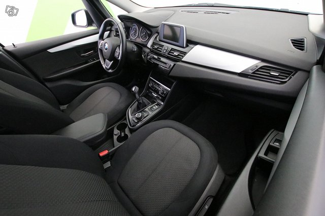 BMW 216 9