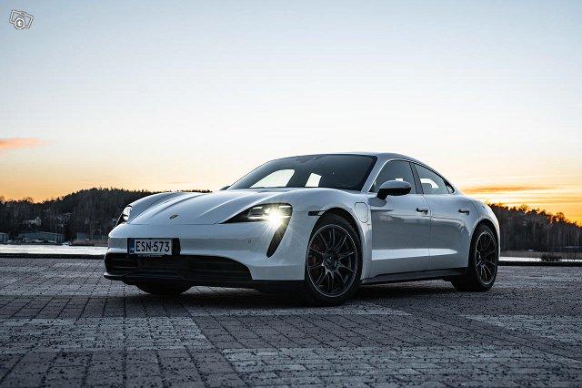 Porsche Taycan 16