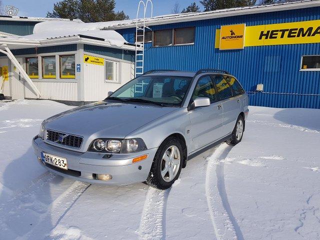 Volvo V40 1