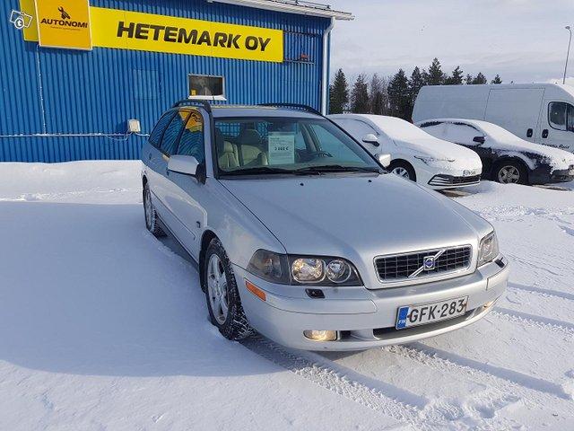 Volvo V40 3
