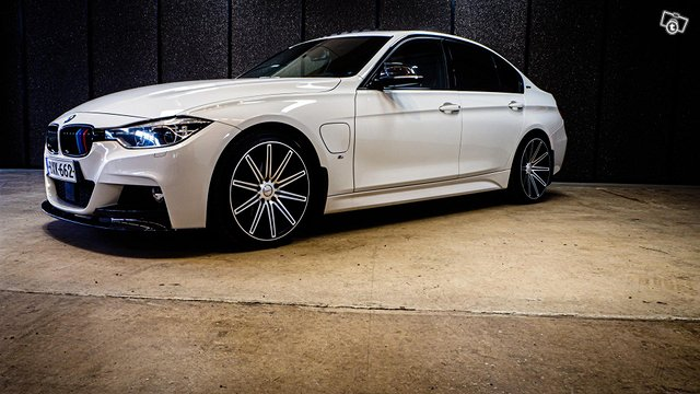 BMW 330E IPERFORMANCE 4