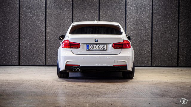 BMW 330E IPERFORMANCE 8