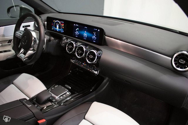 Mercedes-Benz A 35 AMG 15