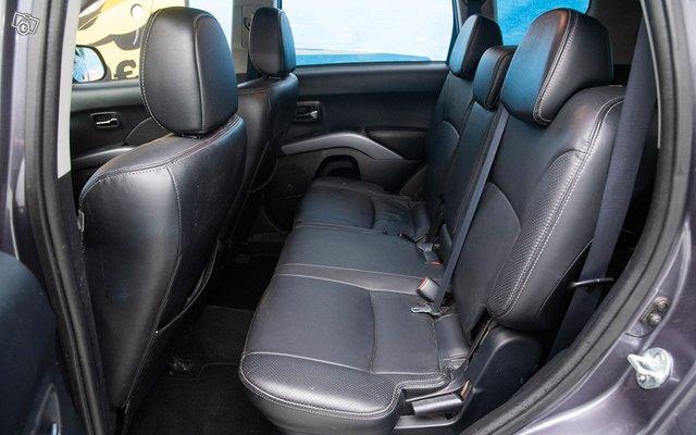 Mitsubishi Outlander 13