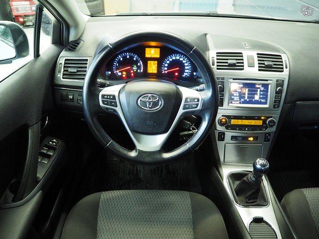Toyota Toyota Avensis 6