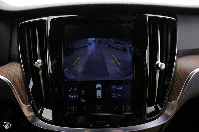 Volvo V60 Cross Country 14