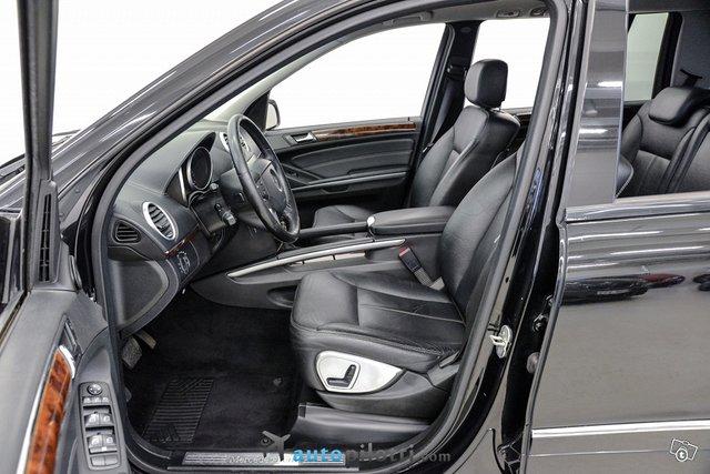 Mercedes-Benz GL 13