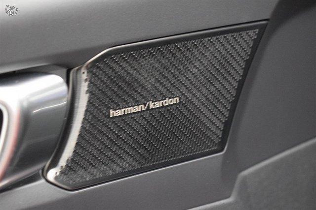 Volvo XC40 13