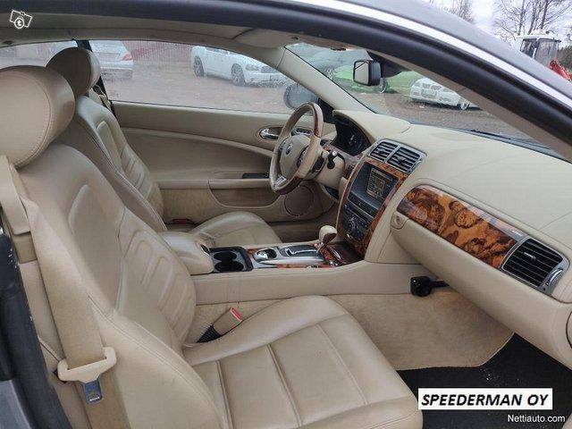 Jaguar XKR 11