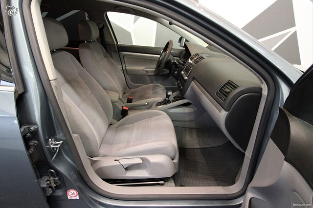 Volkswagen Jetta 17