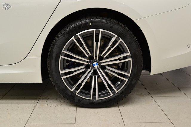 BMW 330 17