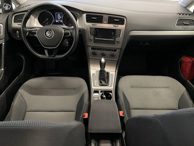 Volkswagen, VW GOLF 8