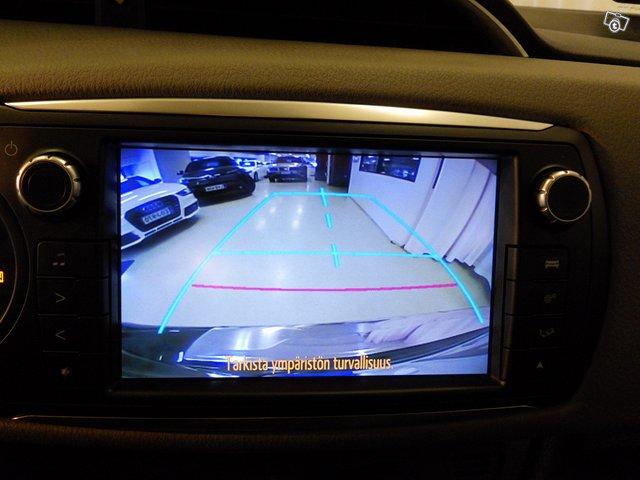 Toyota Yaris 12