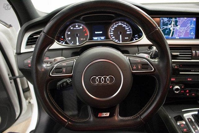 Audi S4 8