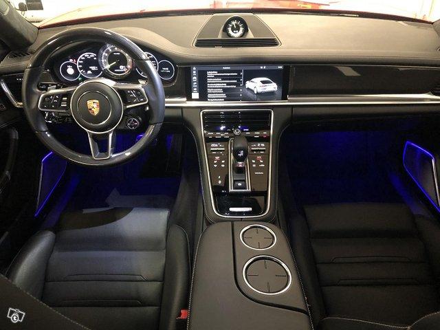 Porsche Panamera 9