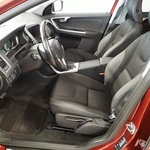 Volvo XC60 4