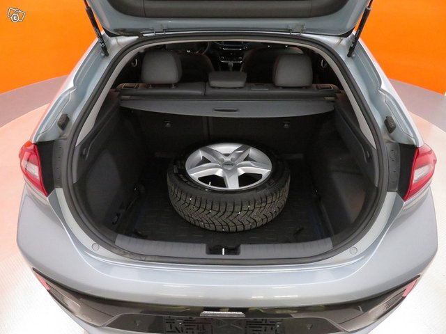 Hyundai IONIQ 8