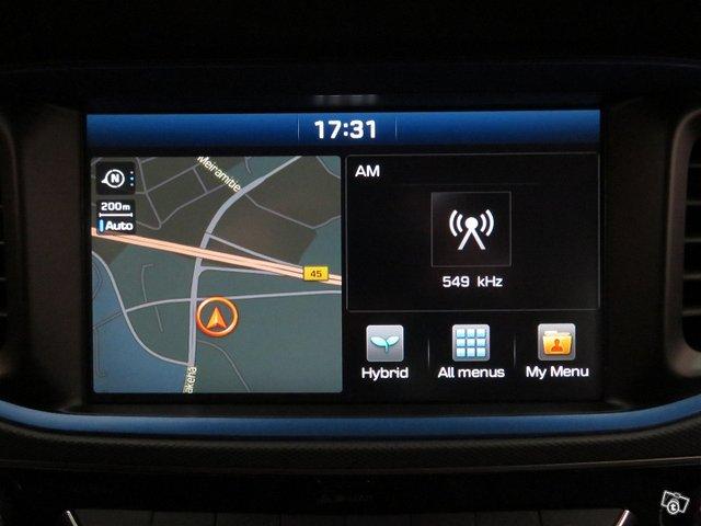 Hyundai IONIQ 12