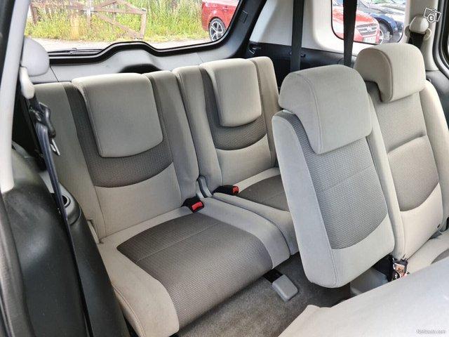 Mazda 5 15