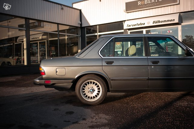 BMW 533 2