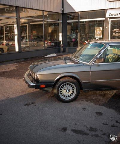 BMW 533 5