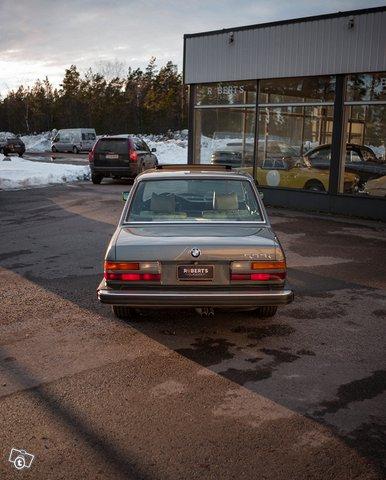 BMW 533 15