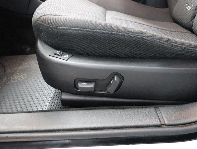 Peugeot 607 11