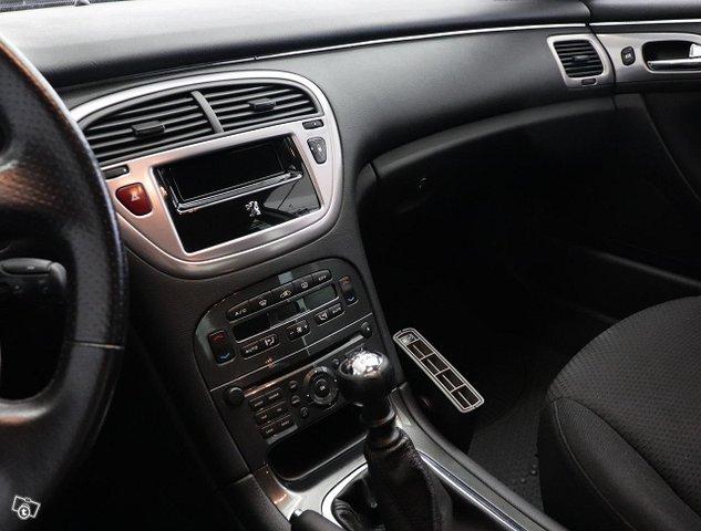 Peugeot 607 14