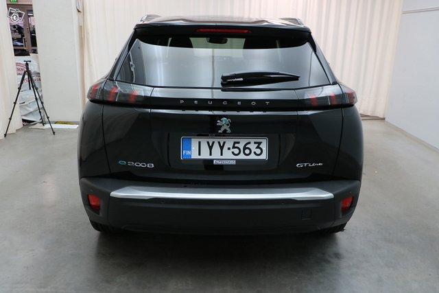 Peugeot E-2008 4