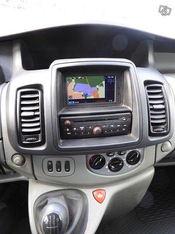 Renault TRAFIC 11