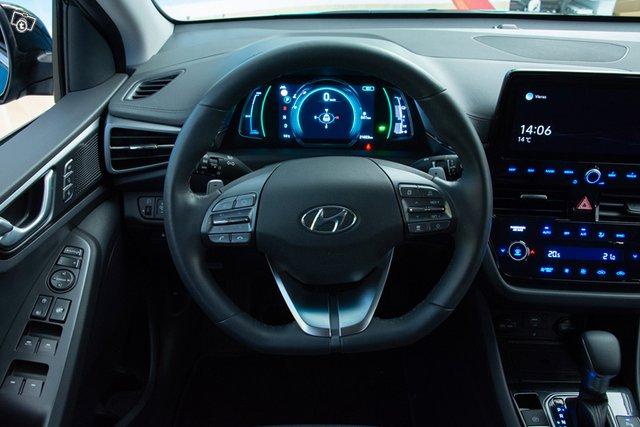 Hyundai IONIQ 17