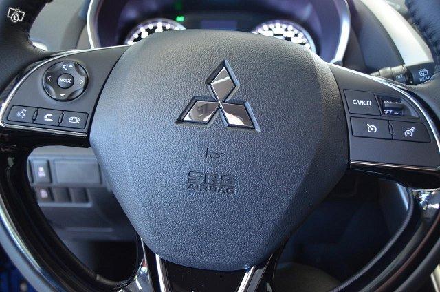 Mitsubishi ECLIPSE CROSS 10