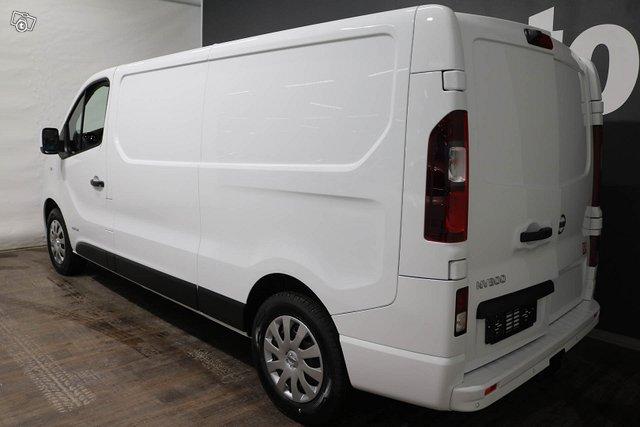 Nissan NV300 3
