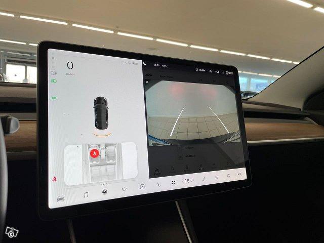 Tesla Model 3 15