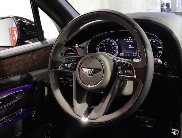 Bentley Bentayga 16