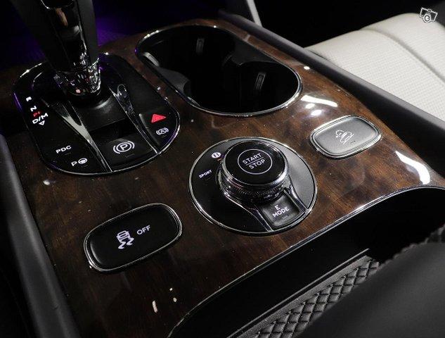 Bentley Bentayga 21