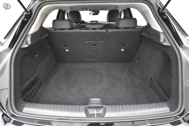 Mercedes-Benz GLA 17