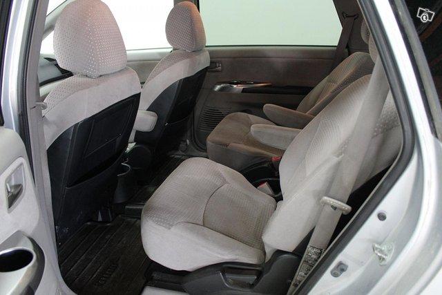 Mitsubishi Grandis 10
