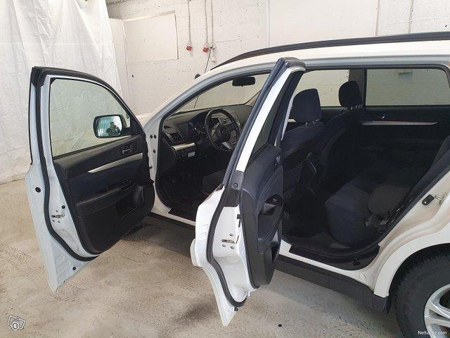 Subaru Legacy 9