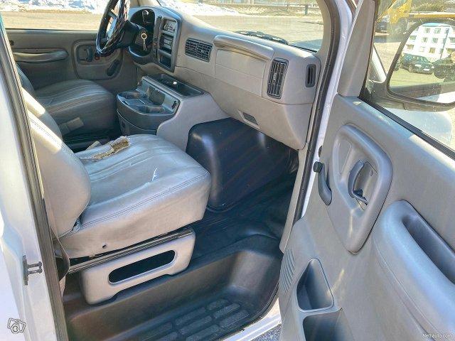 Chevrolet Chevy Van 6