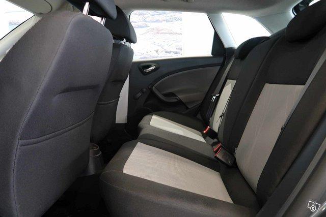 SEAT Ibiza ST 5
