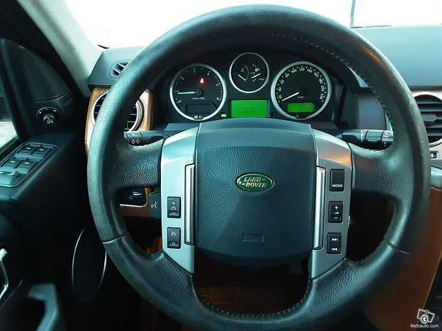 Land Rover Discovery 13