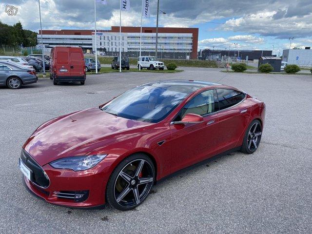 Tesla Motors Model S 2