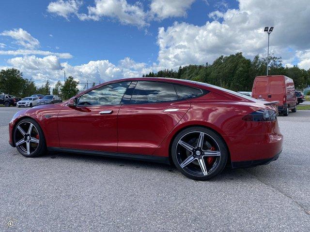Tesla Motors Model S 3