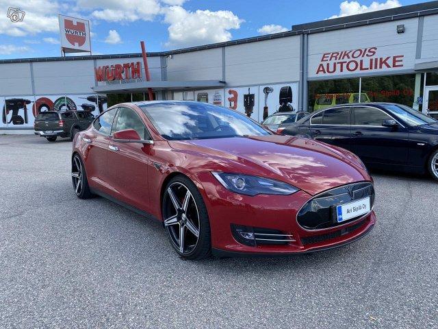 Tesla Motors Model S 4