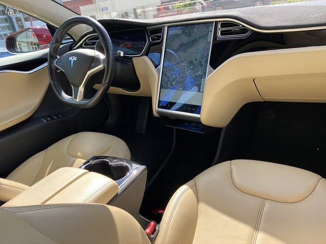 Tesla Motors Model S 13