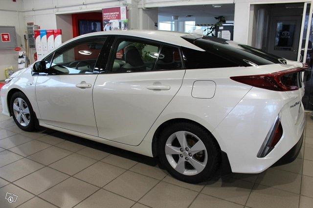 Toyota PRIUS PLUG-IN 3