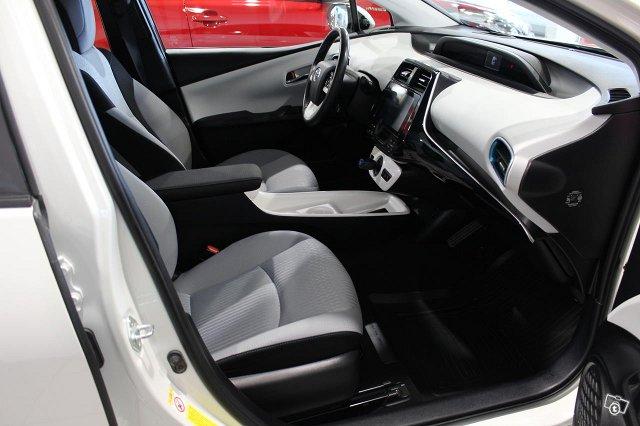 Toyota PRIUS PLUG-IN 6
