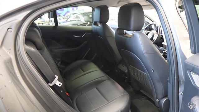 Jaguar I-Pace 15